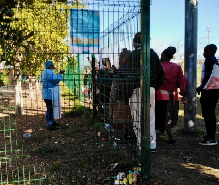 Mfuleni Day Hospital handing out medications through the fence