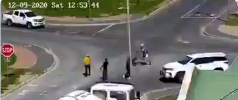 Video: Thugs attempt to rob cyclist in Hermanus