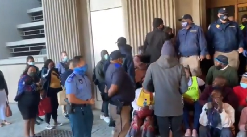 Land occupiers take protest to Cape Town CBD