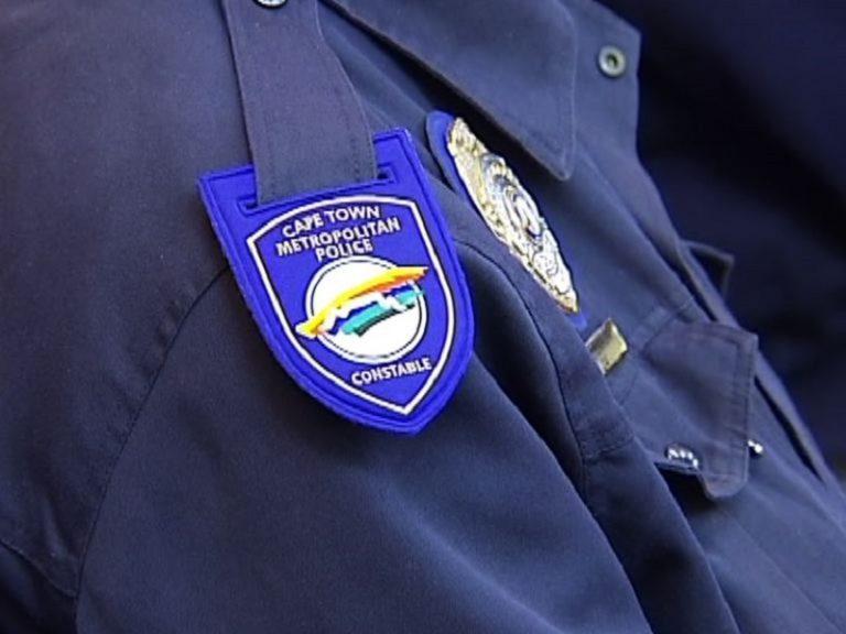 Metro Police officers stoned in Khayelitsha