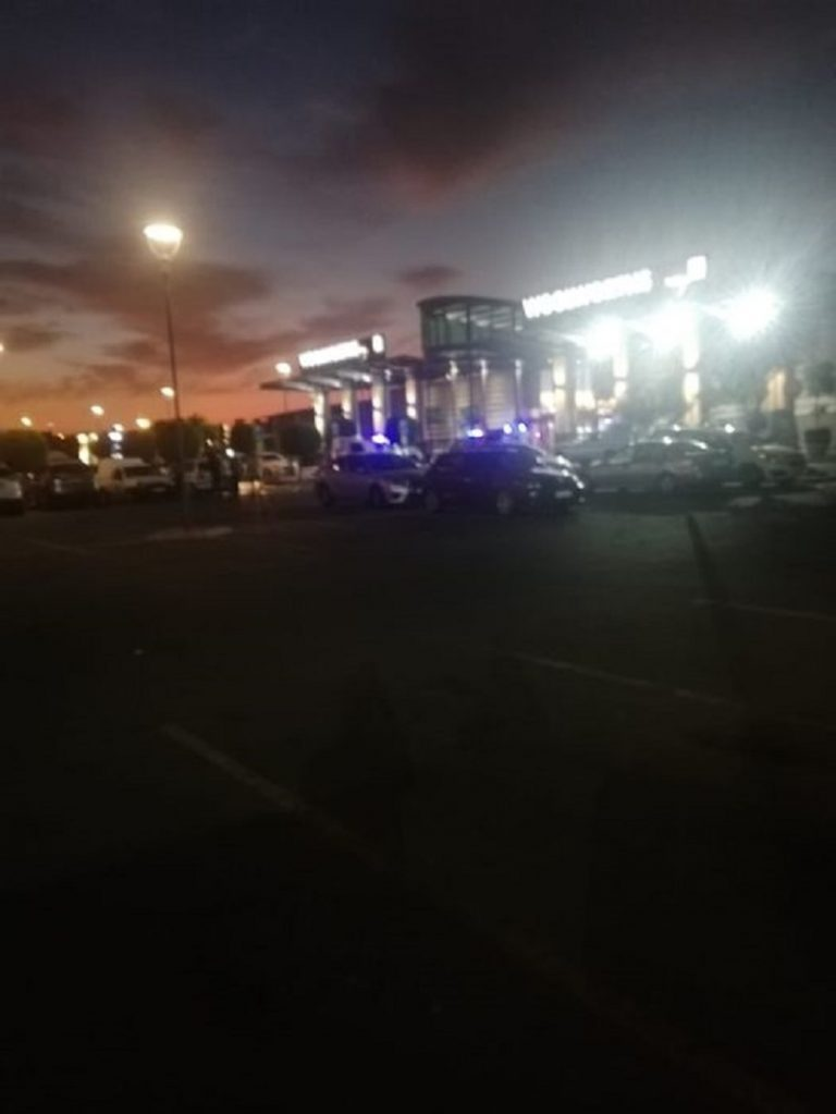 Armed robbers hit Cape Gate shopping mall